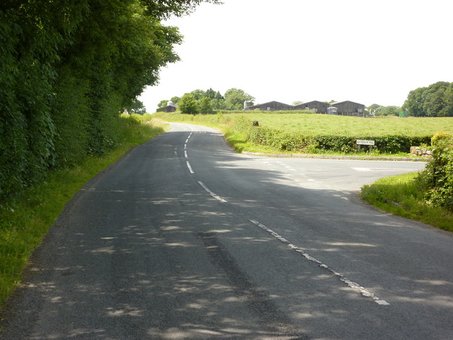 Junction of Dagger Lane with Treales Road