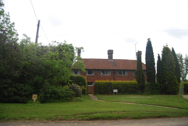 Stoaches Cottages, Freshfield Lane