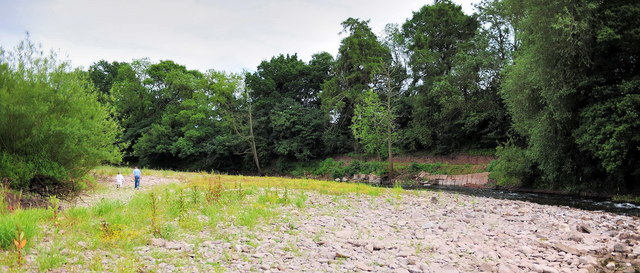 River Usk low water at Llanellen Bridge