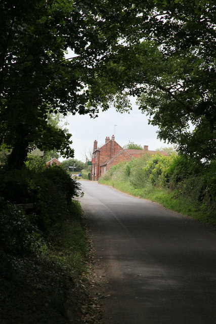 Road approaching the inn in South Thoresby