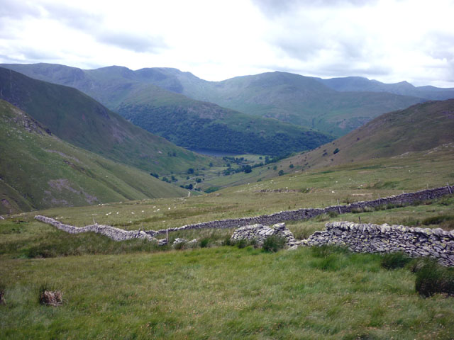 Dry stone walls, above Hayeswater Gill