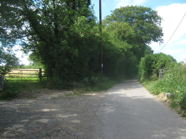 Bridleway between Woodlands Farm and Beeches Farm