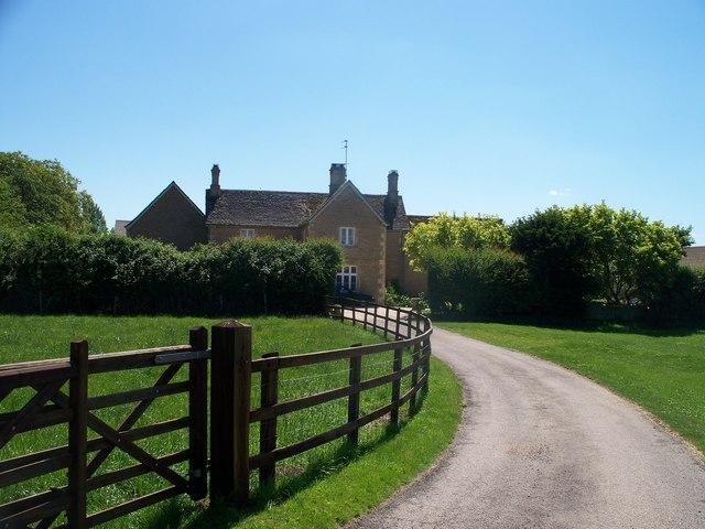 Farmhouse driveway