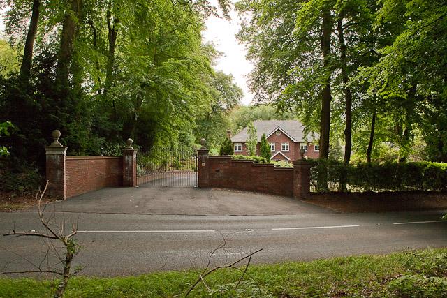 House named Tree Tops, Jermyns Lane
