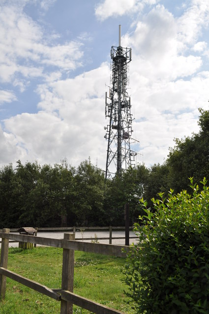 Communications mast at Olivers Mount