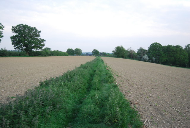 Footpath south through a ploughed field