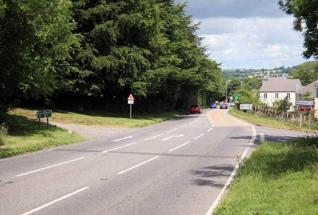 Tavistock ahead the A386 Whitchurch turning