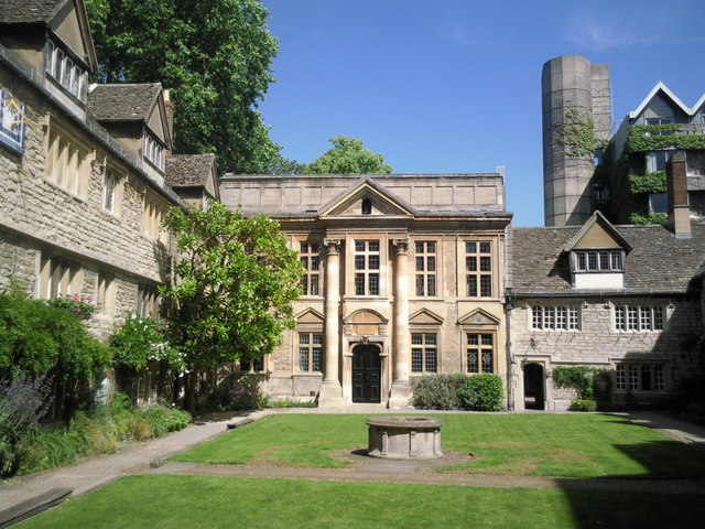 Architectural contrasts at St Edmund Hall, Oxford