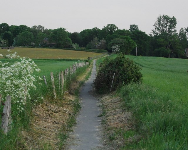 Footpath to Chiddingstone Causeway