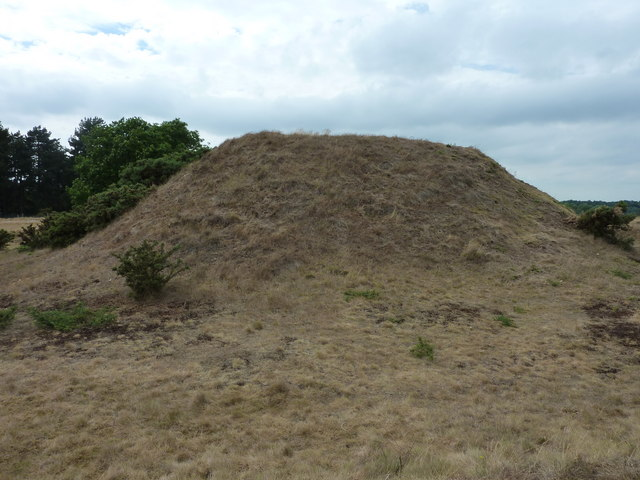 Reconstruction of a burial mound