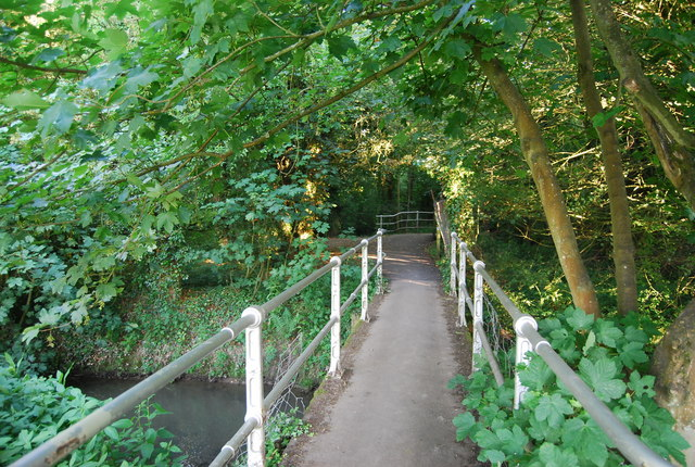 Footbridge over a distributary of the River Medway