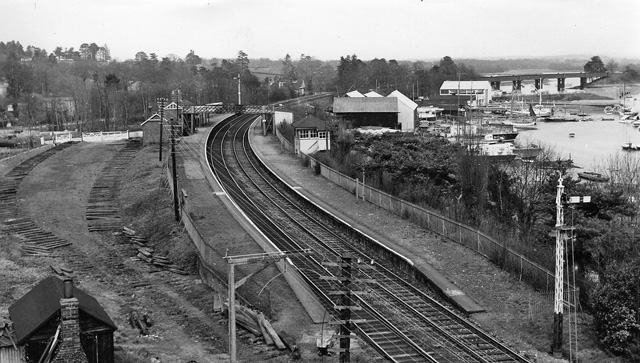 Bursledon Station