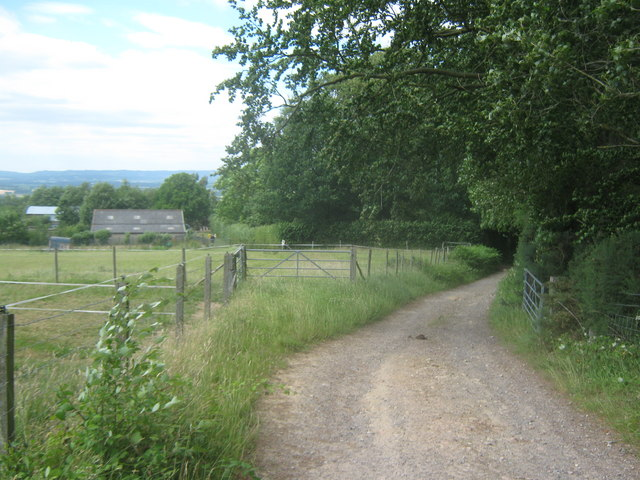 The Vanguard Way leads towards to Dry Hill Farm
