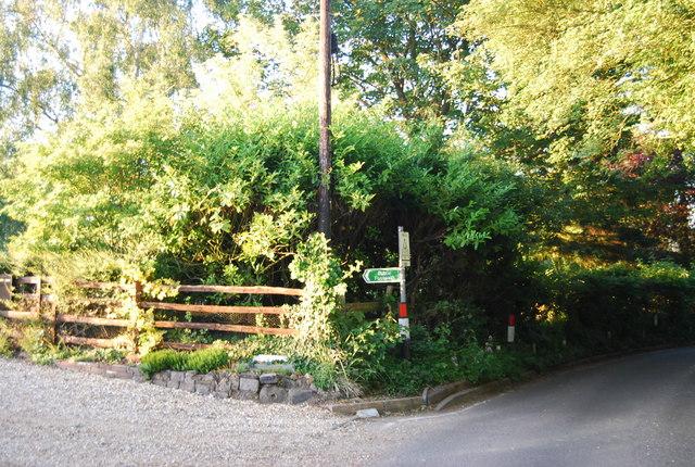 Footpath off Powder Mill Lane