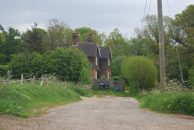 Cottages off Treeman Rd