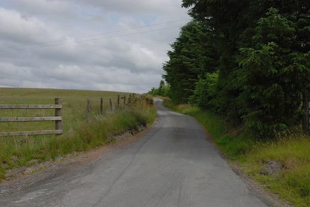 Lane to Pen-hyle-mawr Farm