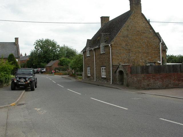 Lower Brailes, village tap