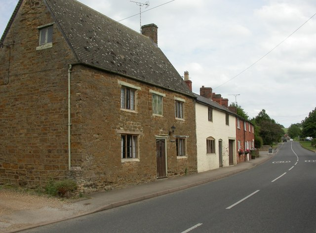 Lower Brailes, cottages