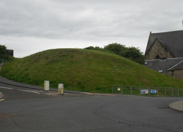 Mound at the junction