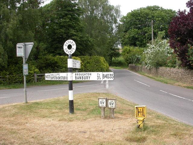 Lower Tadmarton, fingerpost