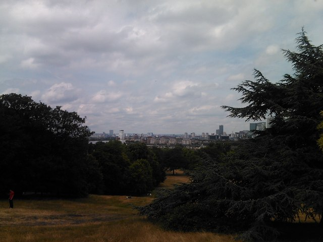 View of London's skyline from the hill in Greenwich Park