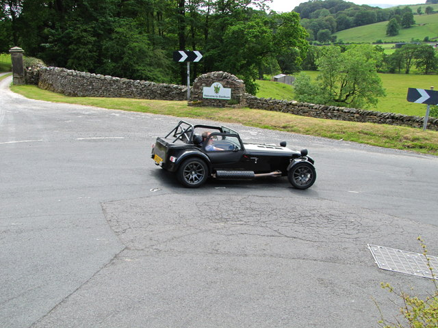 Hairpin bend entering Slaidburn