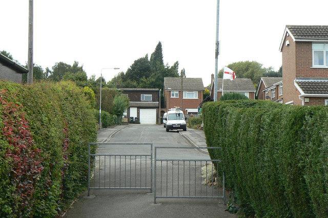 Footpath to Victoria Close