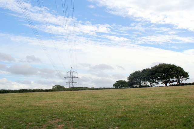 Field and overhead power lines at Tresamble