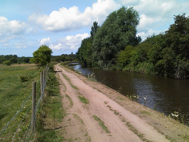 The Leeds Liverpool canal near Martland Mill