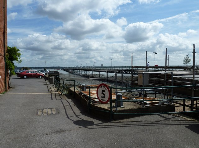 Looking from Prospect Place towards Hythe Pier Railway