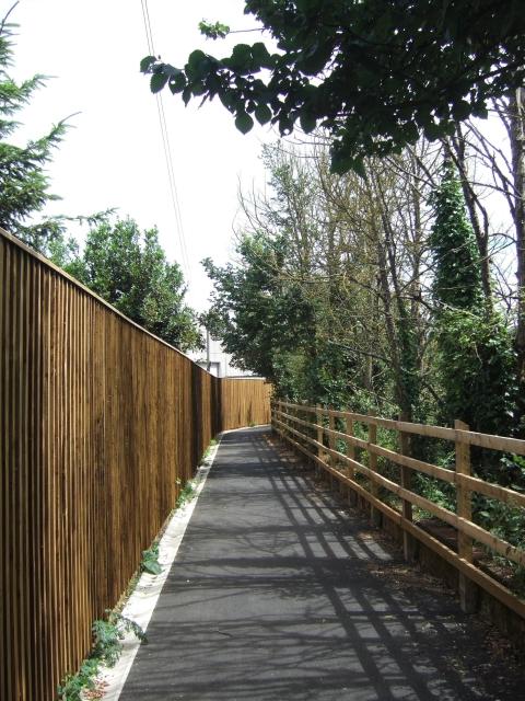 Newly extended footpath near Darts Farm