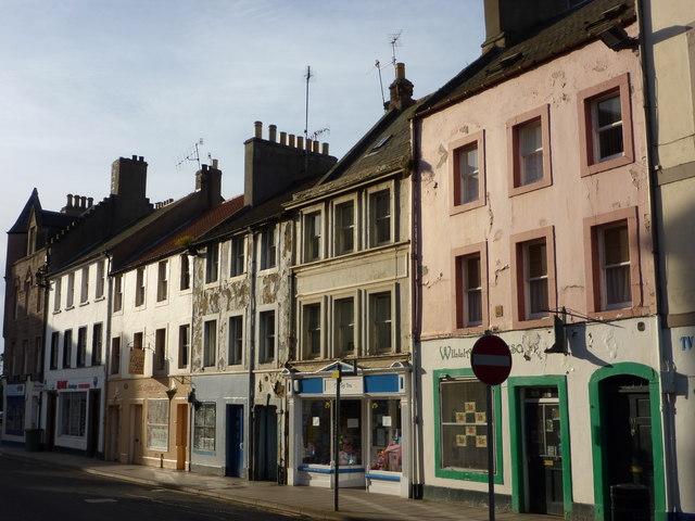 East Lothian Architecture : Peeling Paint on Haddington High Street