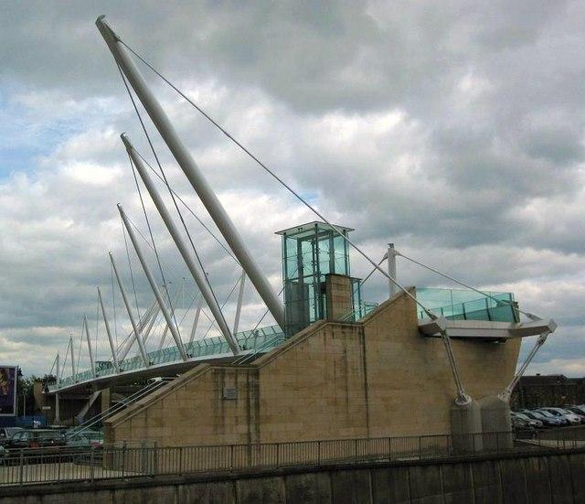 Forthside Footbridge
