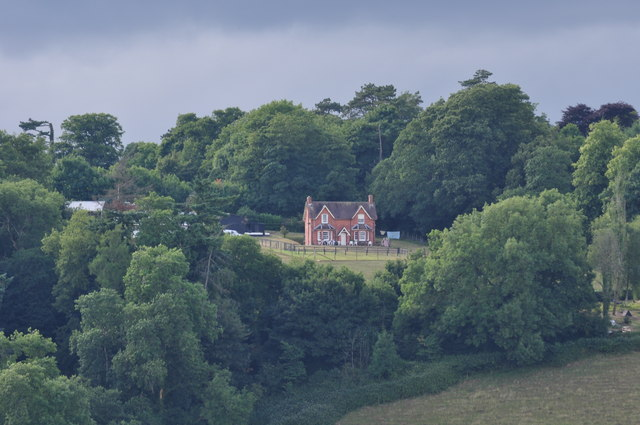 Mid Devon : House on the Hillside