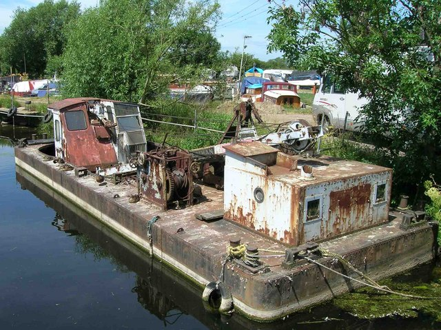 Derelict crane barge, Sileby Mill Boat Yard