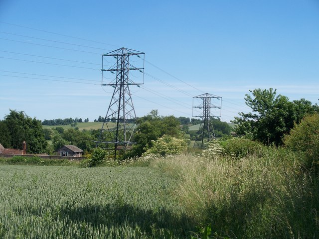 Odd things on the pylons