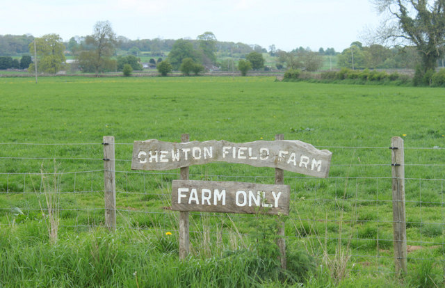 2010 : Sign at the entrance to Chewton Field Farm
