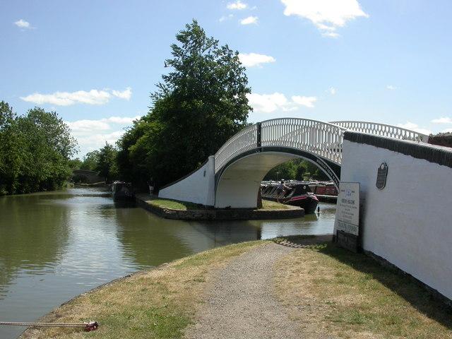 Braunston, bridge