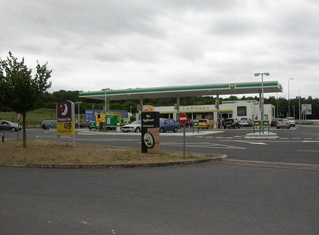 Milton, service station