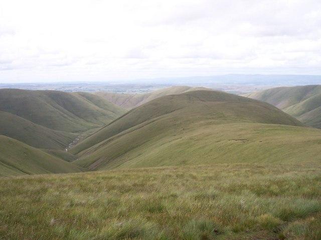 The whaleback ridge of Hazelgill Knott