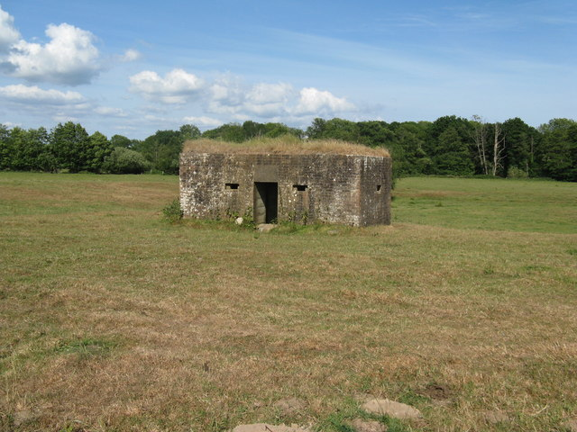 Pillbox on open ground near the River Uck