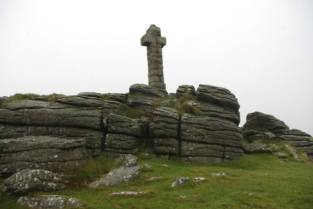 Widgery cross atop Brat tor