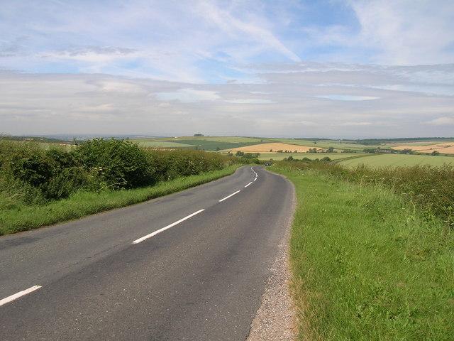 B1253 towards Duggleby