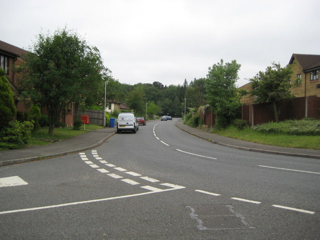 Bracknell: Bowland Drive, Forest Park