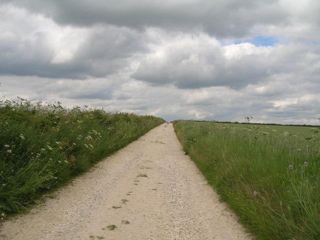 Broad Balk (Centenary Way) heading North
