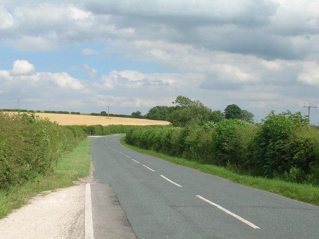 Minor road towards Kirby Grindalythe