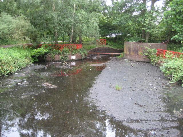 Bull Brook: Savernake Pond silt trap