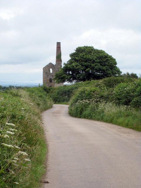 Minor road at St Aubyn Farm