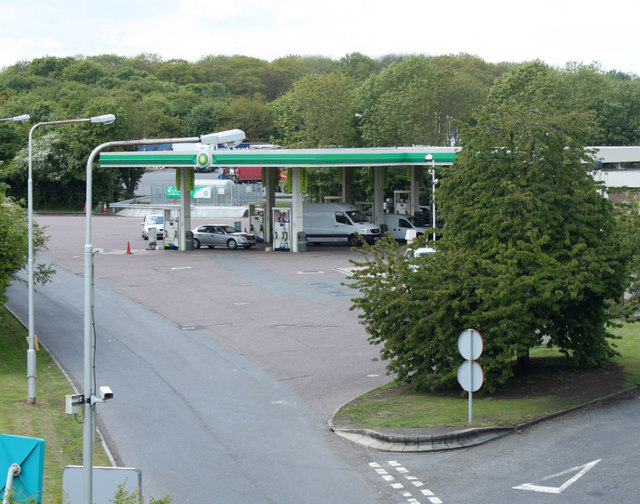 2010 : Fuel station at Leigh Delamere Services