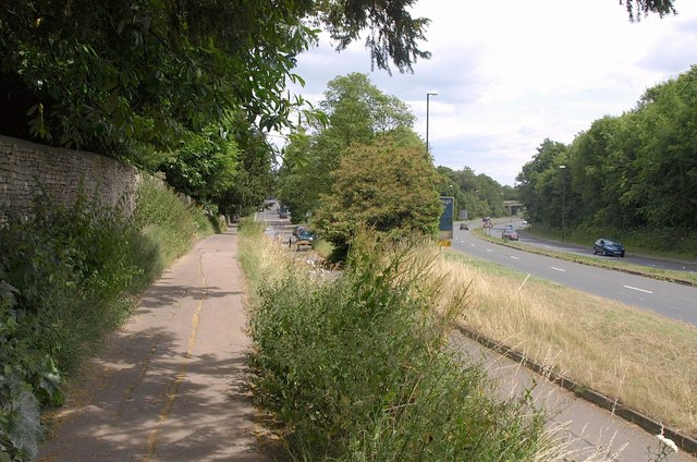 Path and cycle path, Cirencester